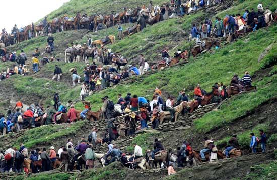 Landslides stall Amarnath pilgrims progress