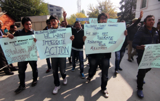 Ladakhi students protesting for Zanskar
