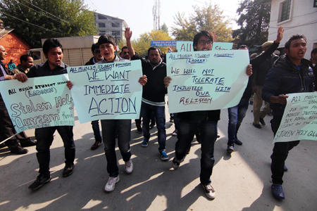 Ladakhi students protesting for Zanskar