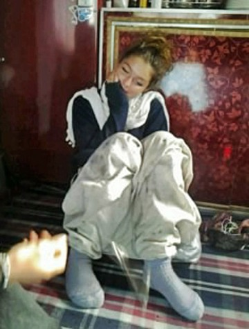 """VICTIM: An undated picture of Sara Elizabeth taken inside """"New Beauty"""" houseboat where she was found murdered on Saturday morning."""