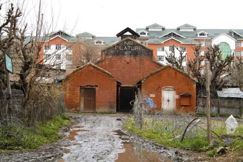 cover-silk-factory-srinagar
