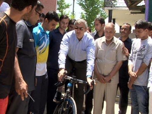 Cycling-omar-abdullah