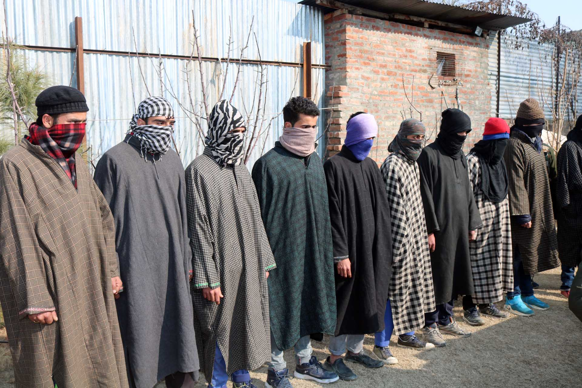 Two militants, nine OGWs of Jaish, Hizb arrested in Baramulla, claims Police