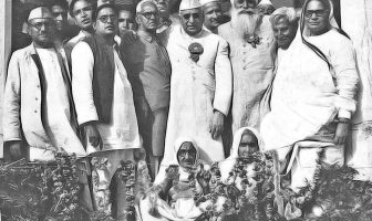 Kitchlew at a function held for the slain civilians of Jallianwala Bagh massacre.