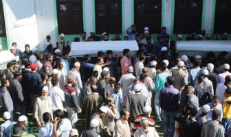 People carry bodies of three civilians during the funeral procession in Baramulla, on May 1, 2018. KL Image: Bilal Bahadur