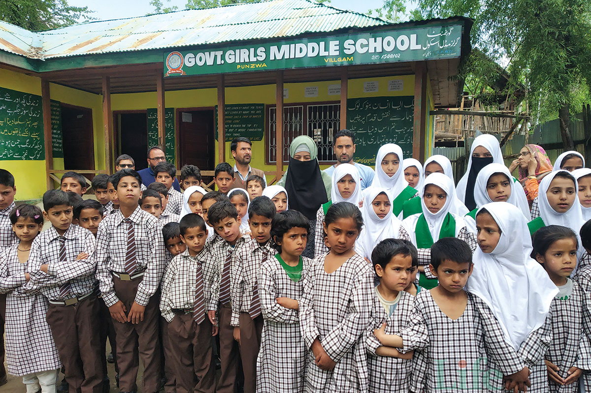 Syed Firdousa Rabbani with the students of her school. KL Image: Faheem Mir