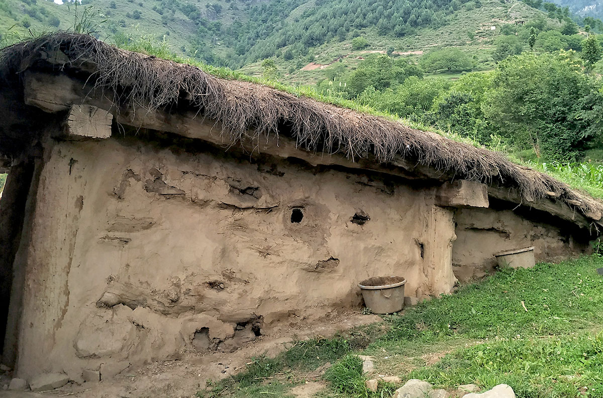 Old mud house of Kohli family. KL Image: Aaqib Hyder