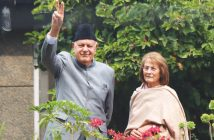 Dr Farooq Abdullah with his wife Molly Abdullah. KL Image by Bilal Bahadur