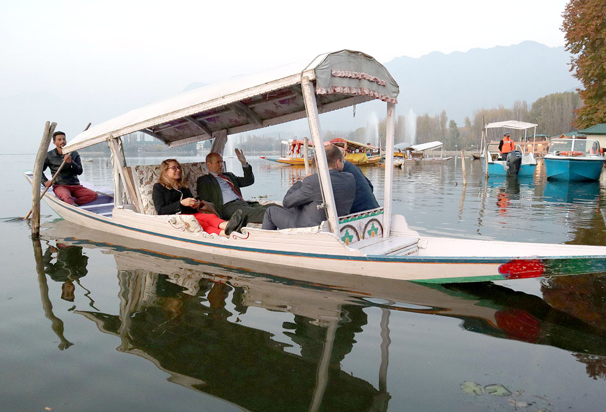 EU delegation enjoying a Shikara ride in Dal Lake Srinagar. KL Image by Bilal Bahadur