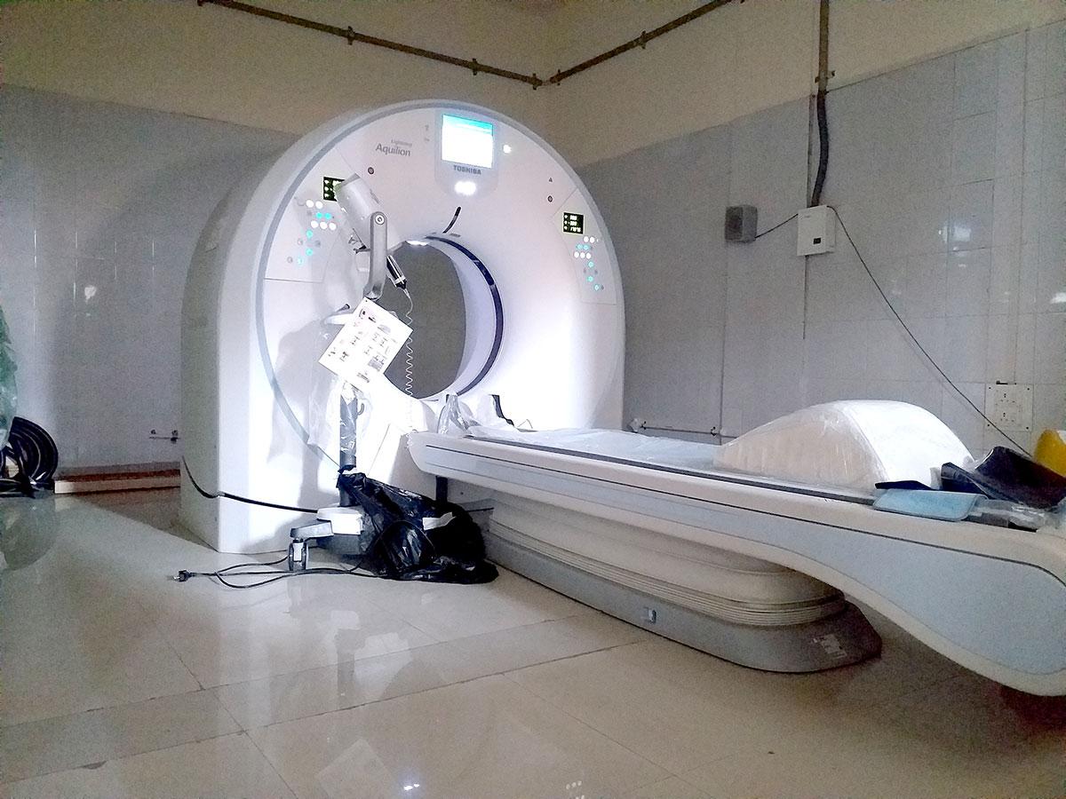 CT Scan machine but no patients. KL Image by Shah Hilal